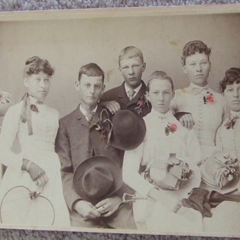 Cabinet card of young group with great tinting 