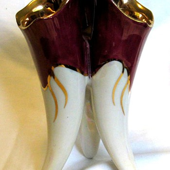 Three toed vase - Art Pottery