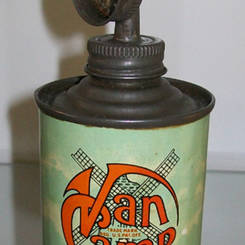 Van Camp oil can and others