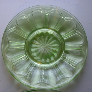 LOT OF 9 Early 1930&#039;s Depression Glass Ribbon Pattern  - Glassware