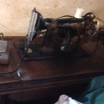 Singer sewing machine year? - Sewing
