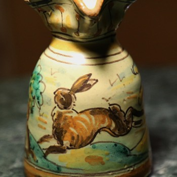 Talavera Niveiro Jug with Leaping Hare