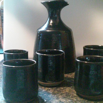 Sake set of 6 came from Fort Valley Virginia - Asian