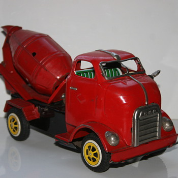 cement mixer truck Coe tin toy