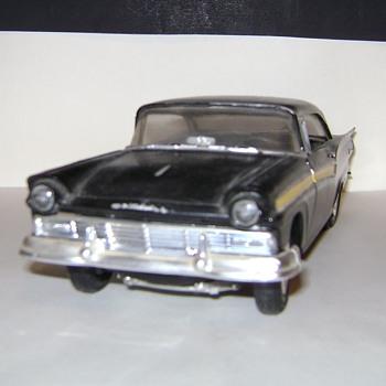 1957 Ford Fairlane Model Car - Model Cars