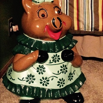 2 ft tall large piggy Bank