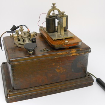 Morse code Key and Sounder, Mid 20 Century