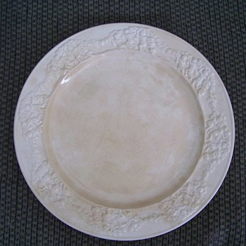 Old China Set Royal Ivory - China and Dinnerware