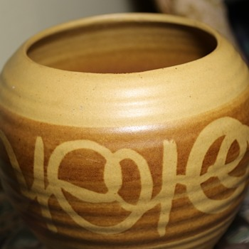 Interesting Pot - Calif USA 190 - Pottery