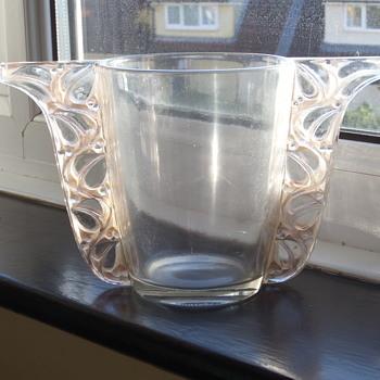 """R Lalique """"Honfleur"""" vase"""