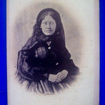 Civil War Era Photo Carte De Visite--Can This Be A Woman In Mourning?