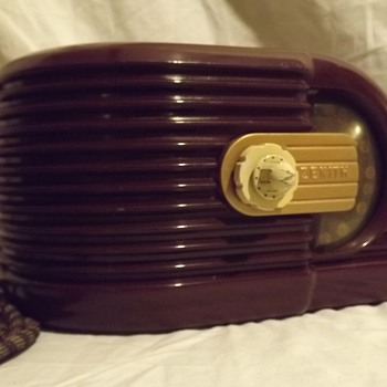 1938 Zenith Art Deco Bakelite Radio