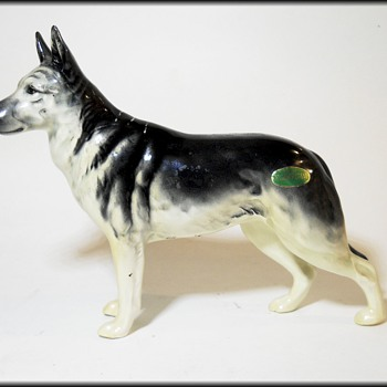 BESWICK ( England ) - GERMAN SHEPHERD Alsatian Dog