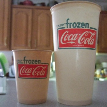 1969 Coca Cola Paper Cups. Small and Large. - Coca-Cola
