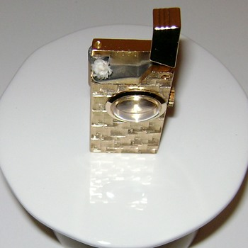 Vintage Cigarette Lighter - Tobacciana