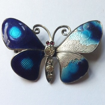 Poor little butterfly! - Fine Jewelry