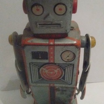Linemar Easel Back Windup Robot Toy !