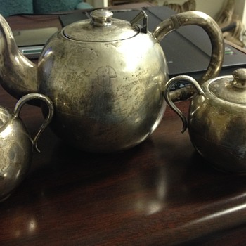 Very nice Silver 900 Tea Kettle with Sugar and Cream