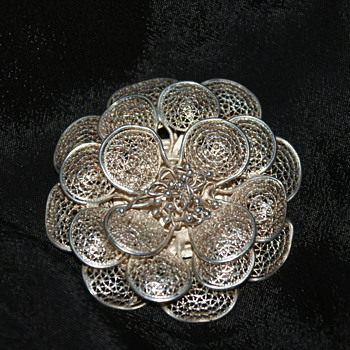 Unmarked Filigree Brooch