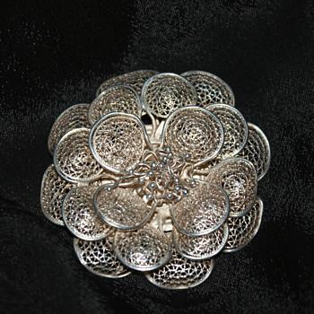 Unmarked Filigree Brooch - Fine Jewelry