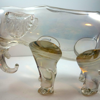 Loetz Figural (Elephant), Cristall Glatt, Prod. Nr. I-4821, ca. 1920s - Another Elephant in the Room - Art Glass