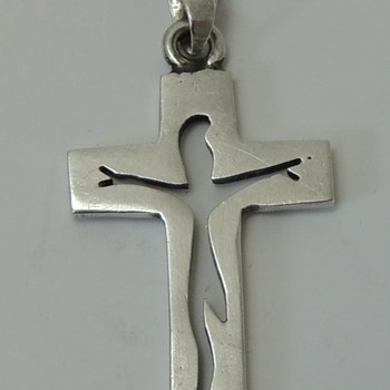 Sterling Silver Cross Pendent - M.T.??