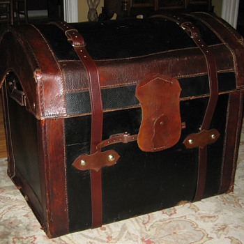 English Made Round Top Wicker Trunk - Furniture