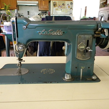 Sewing Machine La Salle - Sewing