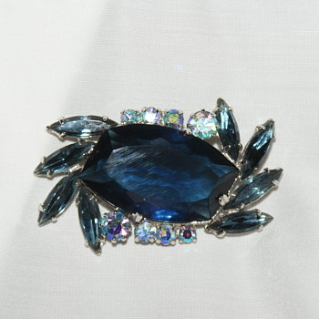 Vintage Brooch with Rhinestones