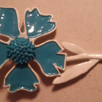 Pretty blue flower - Costume Jewelry