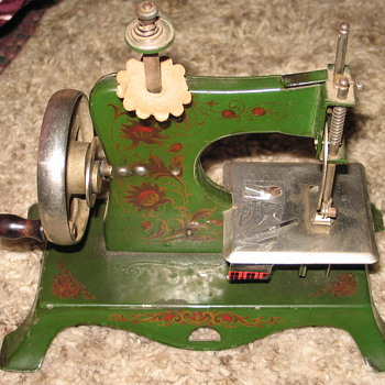 Old Sewing Machine - Sewing