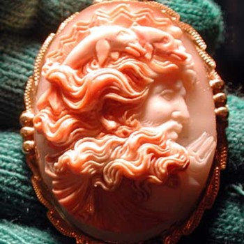 Fine cameo of Neptune with dolphins in his hair - Fine Jewelry