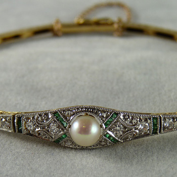 Art Deco Natural Pearl, Emerald & Diamond Bracelet in Platinum & Gold - Art Deco