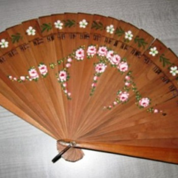 Wooden fan dancing lessons German - Accessories