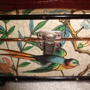 Antique or Vintage jewelry box ??