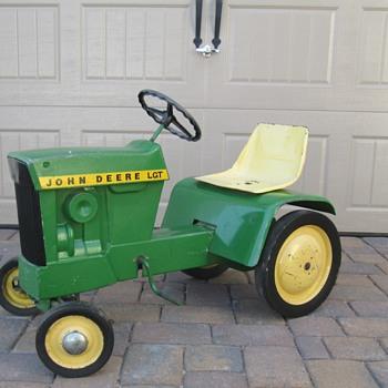 John Deere Lawn & Garden Pedal Tractor