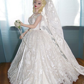 "1951 Bridal Manikin Display for store 14"" tall"