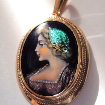 Limoges (France) enameled 14K gold set Pendant