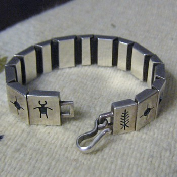 Native American sterling bracelet  - Fine Jewelry