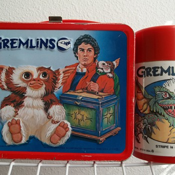 1984 Gremlins movie  lunch box with bottle.
