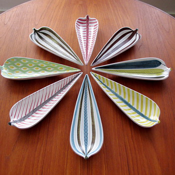 My Stig Lindberg Fajans Leaf Dish Collection - Gustavsberg - Art Pottery
