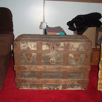 old chest  - Furniture
