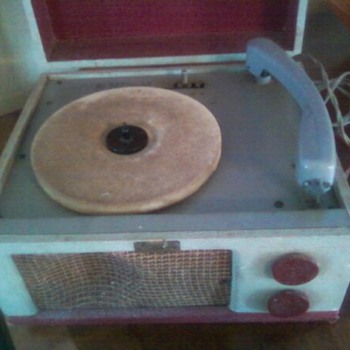 RECORD BOX...IT STILL WORKS... - Records