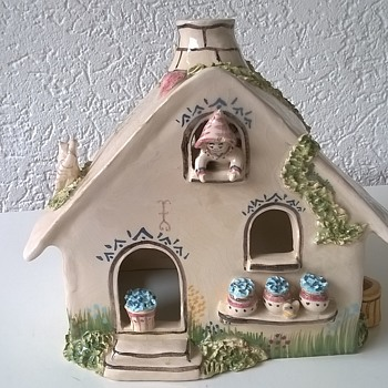 Signed Handmade Pottery House Thrift Shop Find $3.00
