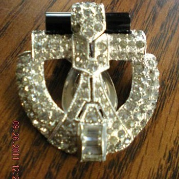 Art Deco Fur Clip - Costume Jewelry