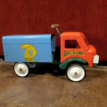 Richard toys ,Quebec