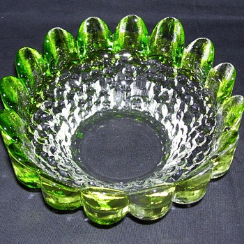 Unidentified Green Glass Bowl from Finland - Art Glass