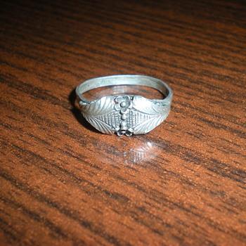Art Nouveau silver ring.