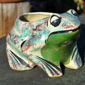 Another Cute Frog Pot - sponge-decorated - Animals