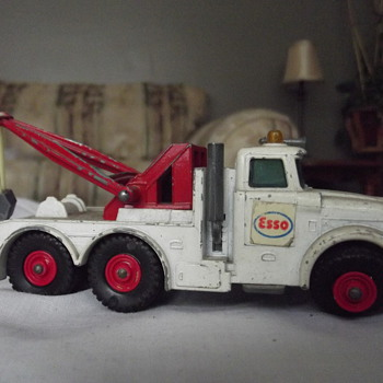 Esso tow truck